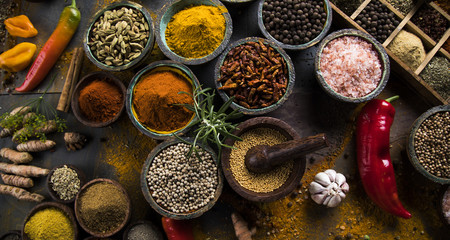 Photo sur Toile Herbe, epice Colorful spices