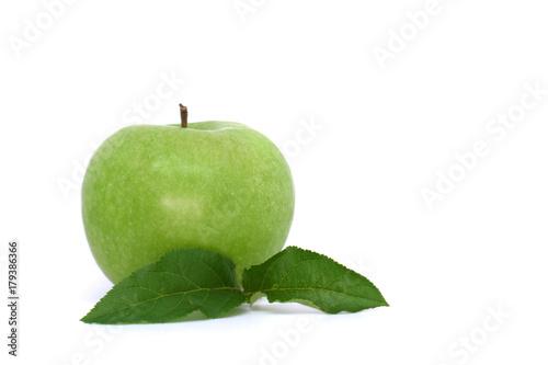 Mela Verde E Due Foglie Su Sfondo Bianco Stock Photo And Royalty
