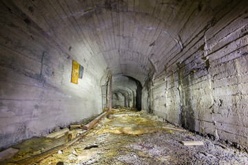 abandoned underground ore mine shaft tunnel gallery