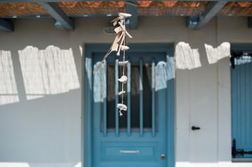 Windspiel vor Haustür