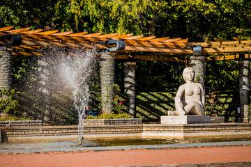 Fontaine et bassin de la roseraie du Parc de la Tête d'or