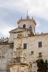 Virgen de la Asunción y catedral de santander