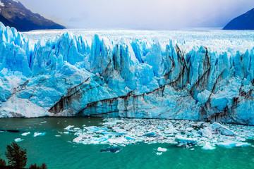 The colossal Glacier on Lake Argentino