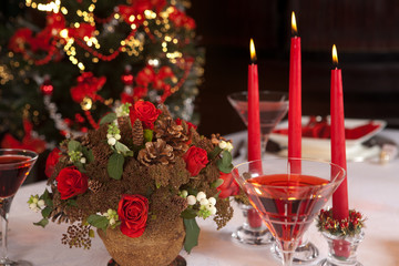 Red christmas table 3