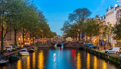 Canal d'Amsterdam le soir, Hollande, Pays-Bas