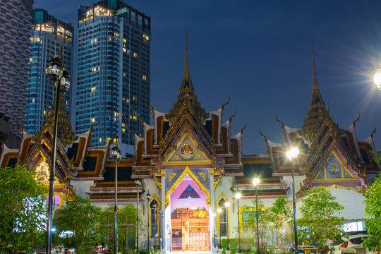 バンコク タイランド サパンタクシンにあるワット・ヤンナワ(Wat Yannawa)
