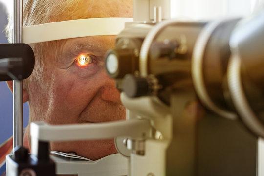 Eye examination at the slit lamp