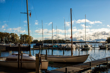 Boote auf dem Tegler See in Berlin