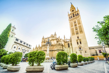 Photo sur cadre textile Monument Giralda in Cathedral of Saint Mary, Seville, Spain