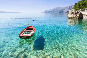 Papiers peints Bleu Beautiful bay near Brela town, Makarska rivera, Dalmatia, Croatia