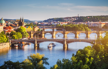 Deurstickers Praag Charles Bridge (Karluv Most) and Lesser Town Tower, Prague in summer at sunset, Czech Republic
