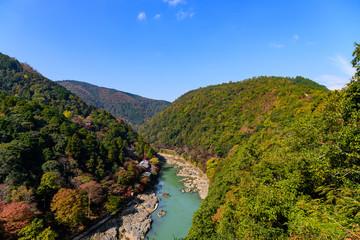 京都 嵐山 色づき始めた紅葉