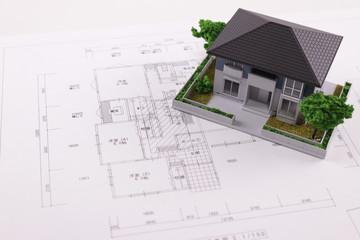 住宅と図面