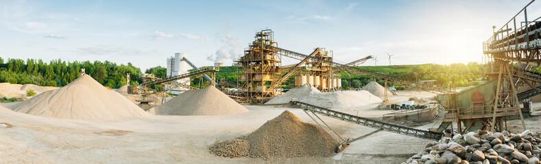 Maschinen im Tagebau