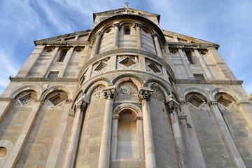 Chevet de la basilique de Pise en Toscane, Italie