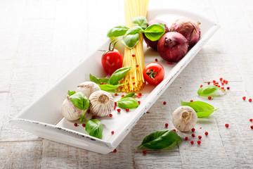 spaghetti mit tomaten und knoblauch