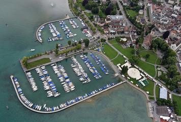 Luftaufnahme des Jachthafens Arbon am Bodensee, Schweiz