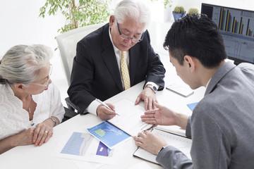 A sales representative explains how to write a contract
