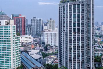 バンコク、エカマイ、ビルの風景、都会、さわやかな青空