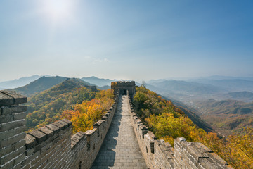Keuken foto achterwand Chinese Muur China The great wall distant view compressed towers and wall segments autumn season in mountains near Beijing ancient chinese fortification military landmark in Beijing, China.