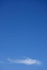 青空と雲と2機の飛行機「雲の風景」