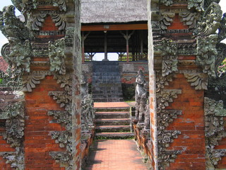 Templo hindu en Bali, Indonesia