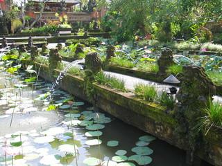 Indonesia. Templo sagrado en la isla de Bali