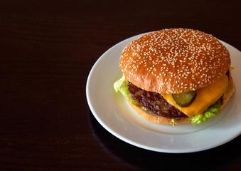 Hamburger mit Käse, fastfood