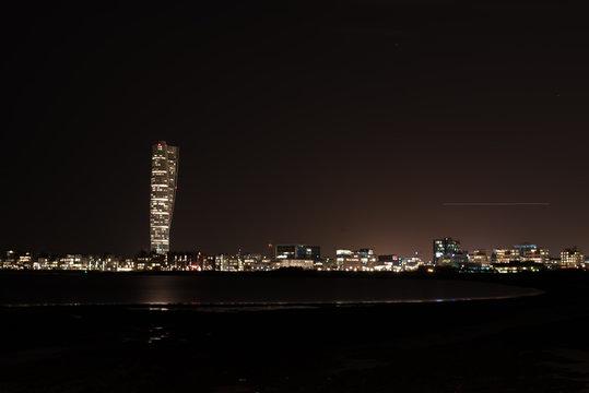 Malmö turning torso by night
