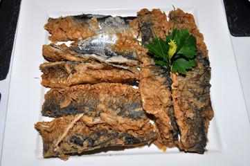 Brathering, kaltes Fischbuffet mit Räucherfisch