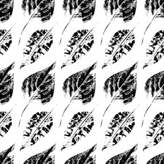 Black and white seamless pattern of autumn, fall birch and aspen leaves, hand made ink print, stamp, vector illustration. Grunge seamless pattern printed black and white birch and aspen leaves