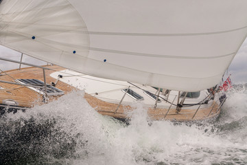 Foto op Aluminium Zeilen Sailing Boat Yacht in Rough Sea Waves