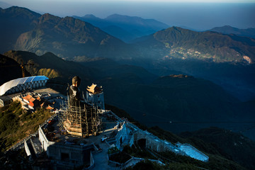 fansipan highest mountain of indochina ,lao cai province northern of vietnam most popular traveling destination