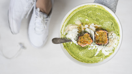 Green Fitness Smoothie Bowl