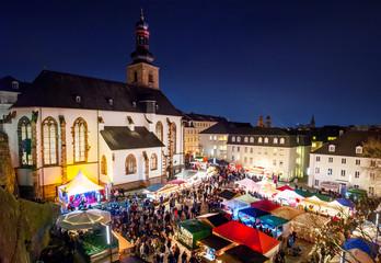 Saarbrücken – Traditioneller Weihnachtsmarkt an der Schlosskirche