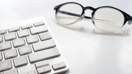 Sticker - keyboard topview with glasses