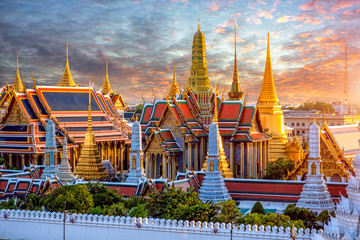 Autocollant pour porte Bangkok Grand palace and Wat phra keaw at sunset at Bangkok, Thailand