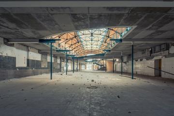 Verlassene alte Fabrikhalle 1