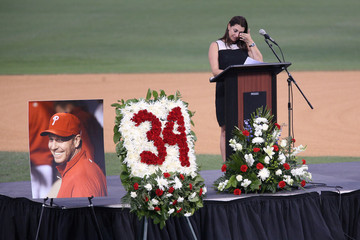 Brandy Halladay honors husband Roy Halladay in Clearwater
