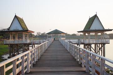 The 2 pavilions with the bridge