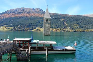 Bootsanleger am Reschensee in Südtirol