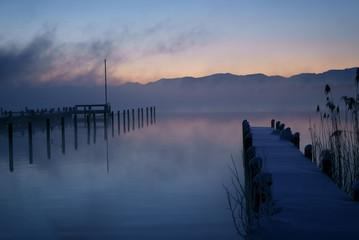 湖畔 桟橋 冬