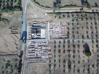 Vista aerea con drone de Caparra,. Yacimiento ciudad romana en la provincia de Caceres ( Extremadura, España). Foto aerea