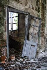 Wer versucht sich alle Türen offen zu halten, wird sein Leben auf dem Flur verbringen.