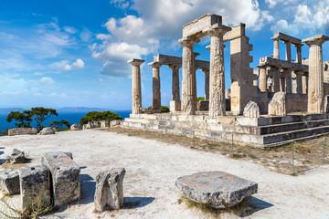 Fototapete - Aphaia temple on Aegina island, Greece