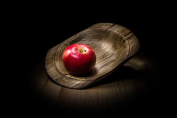 Яблоко, Фрукты , фрукты в деревянной тарелке