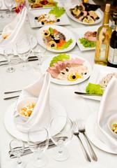 banquet restaurant table