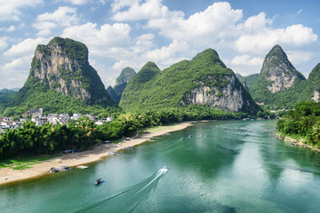 Zelfklevend Fotobehang Guilin View of the Li River (Lijiang River) with azure water