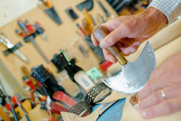 cobbler's workshop