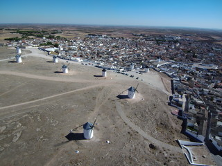 Molinos de viento de Campo de Criptana (Ciudad Real) desde el aire